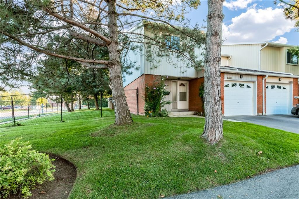Photo of: MLS# H4035368 105-5061 PINEDALE Avenue, Burlington |ListingID=1281