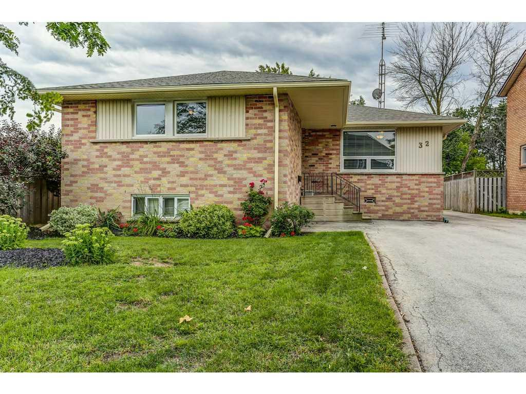 Photo of: MLS# H3213800 32 Guernsey Drive, Stoney Creek |ListingID=17