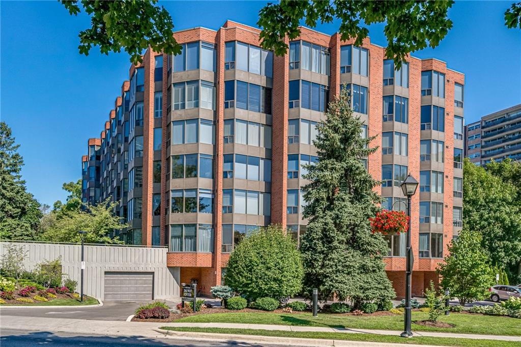 Photo of: MLS# H4084231 205-205-2121 LAKESHORE Road, Burlington |ListingID=5114