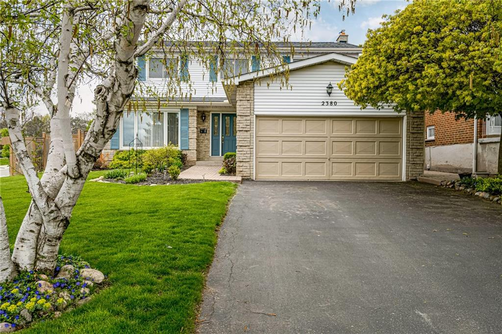 Photo of: MLS# H4104603 2380 LYFORD Lane, Burlington |ListingID=6319