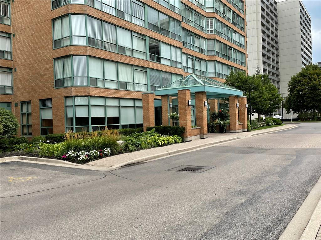 Photo of: MLS# H4114104 313-1276 MAPLE CROSSING Boulevard, Burlington  ListingID=6843